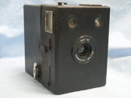 * SIX-20 * Kodak SIX 20 Hawkeye Vintage Box Camera £5.99